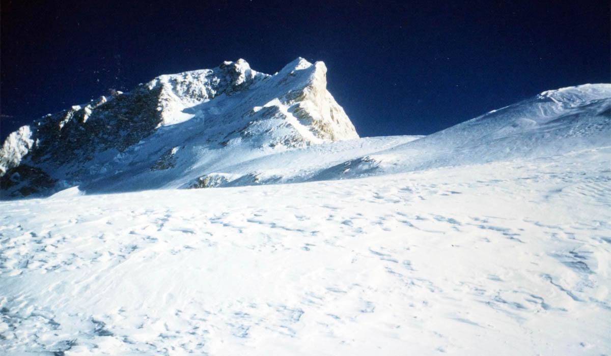 En direction de C5 avec le sommet en arrière plan