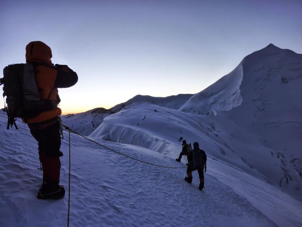 Départ de C3 pour le sommet - photo Daniel Boulens