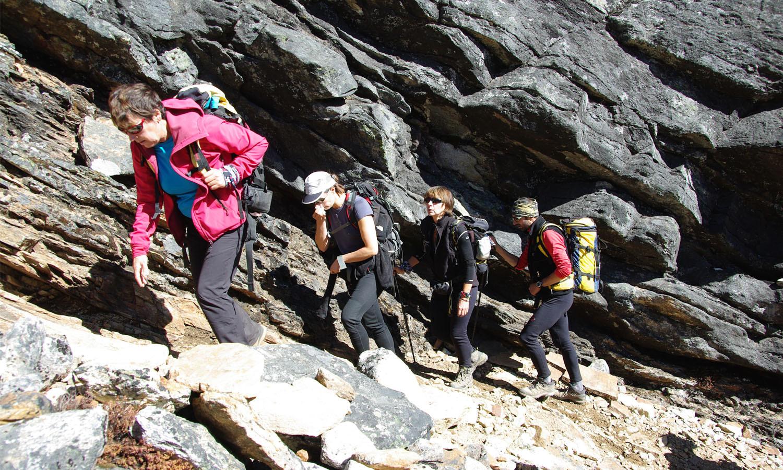 Montée au camp 1 du Lobuche Peak www.shangrila-trek.com