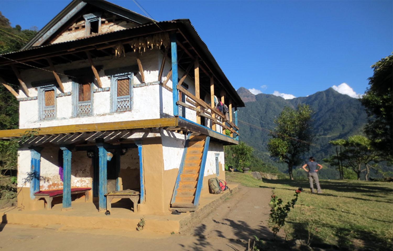 HABITATION TYPIQUES DE LA VALLEE   trek Kangchenjunga Photo Jean-Luc Michod