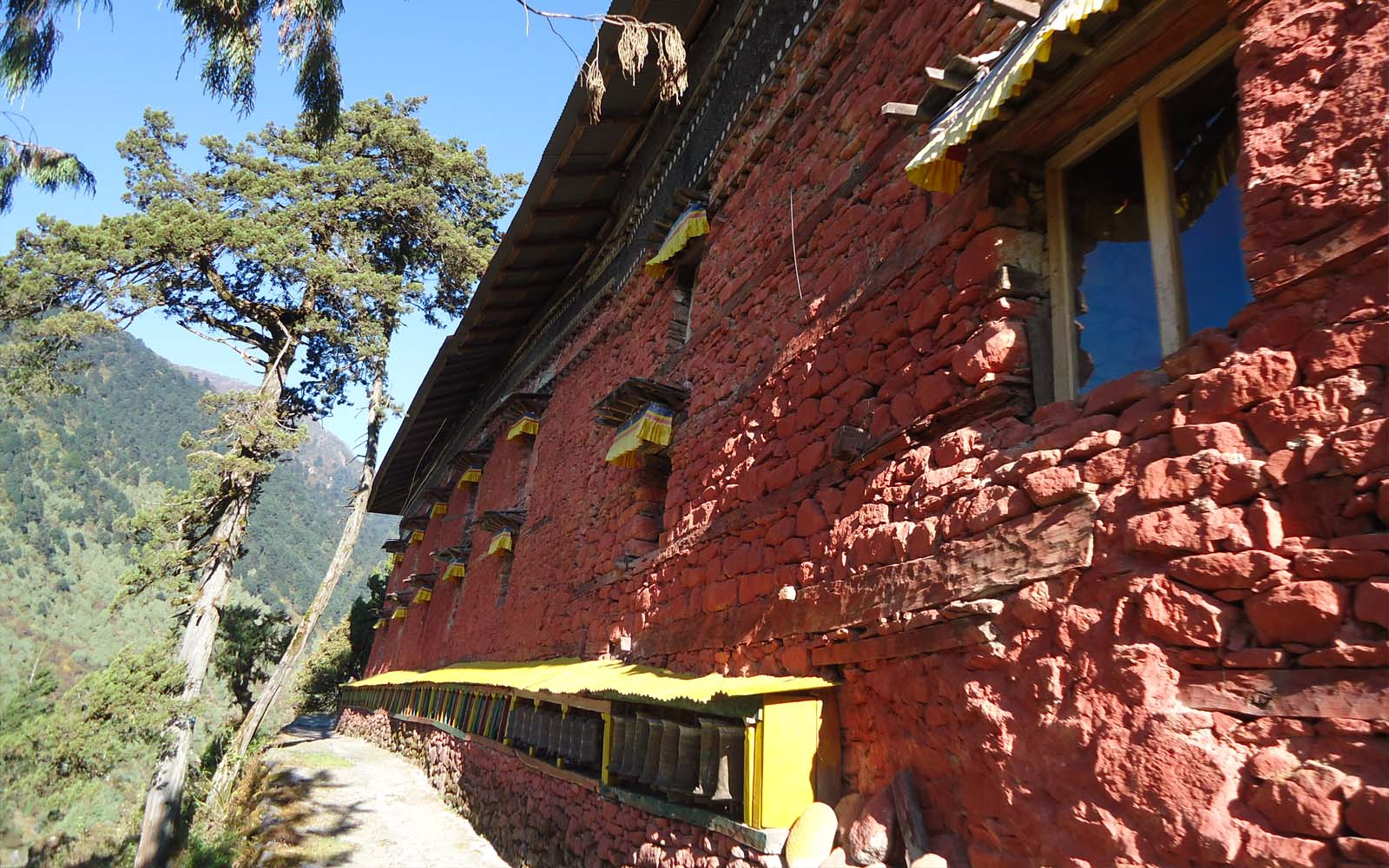Monstère de Olangchun-Gola proche Tibet- Photo Michael Bois