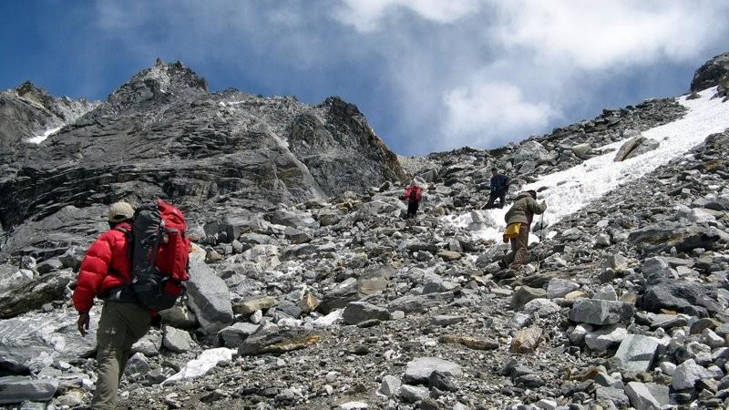 Montée Chola Pass