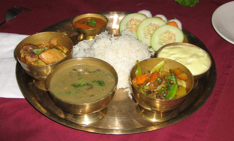Plat Népalais traditionnel le dal bath