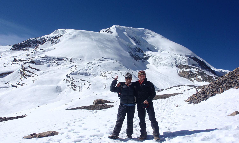 Au retour au Thorong Pass Dawa et Christian www.shangrila-trek.com