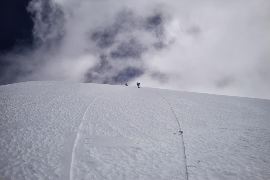A 6900 m - photo Daniel Boulens