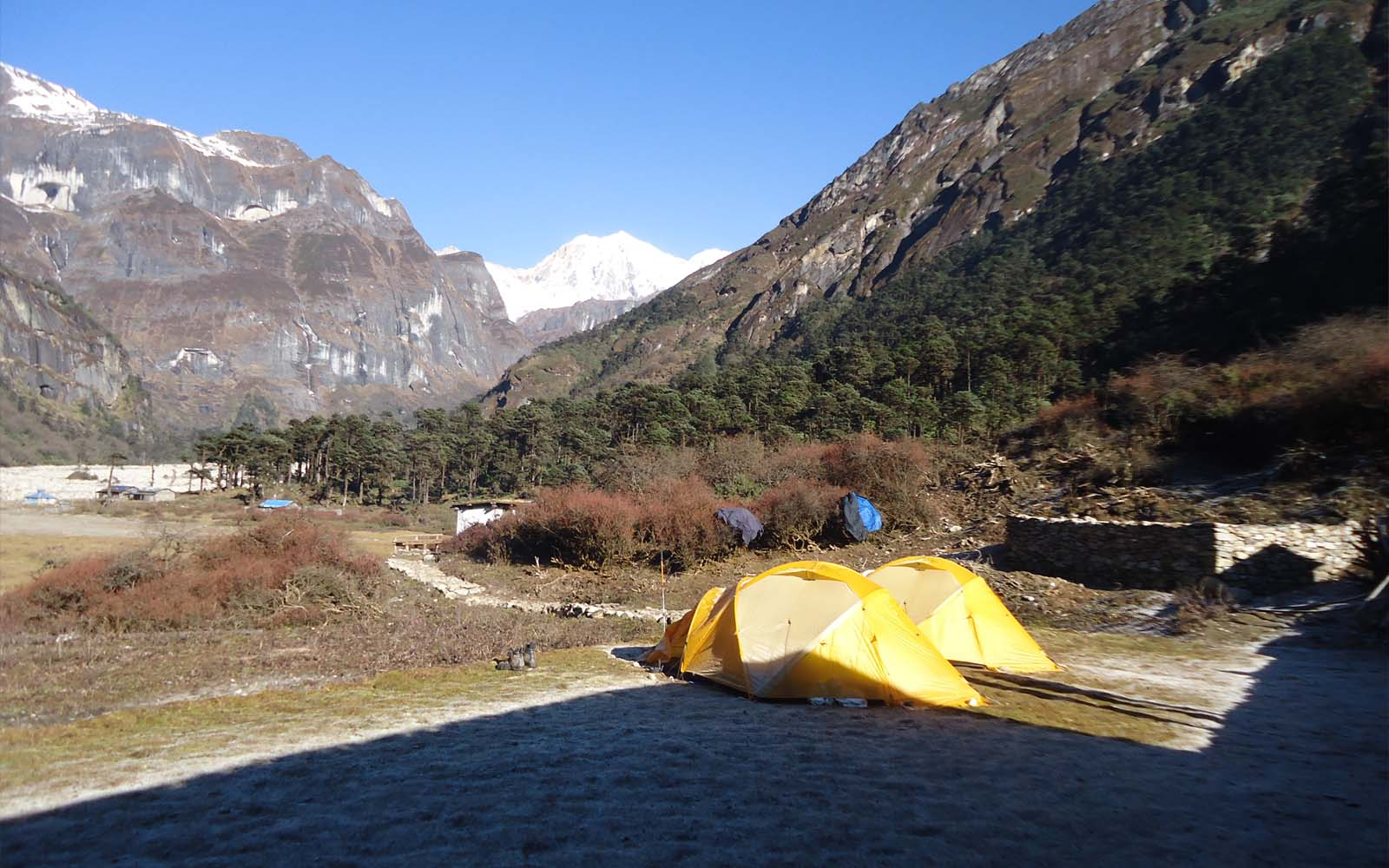 Camp Yangri Kharka sur route Makalu - Photo Michael Bois