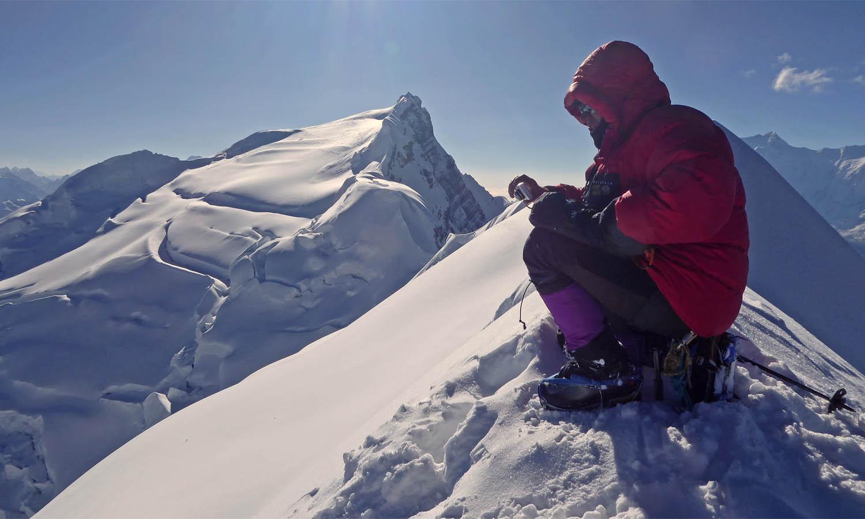 Au sommet Chulu West 6420 m. Photo A lain Dupré