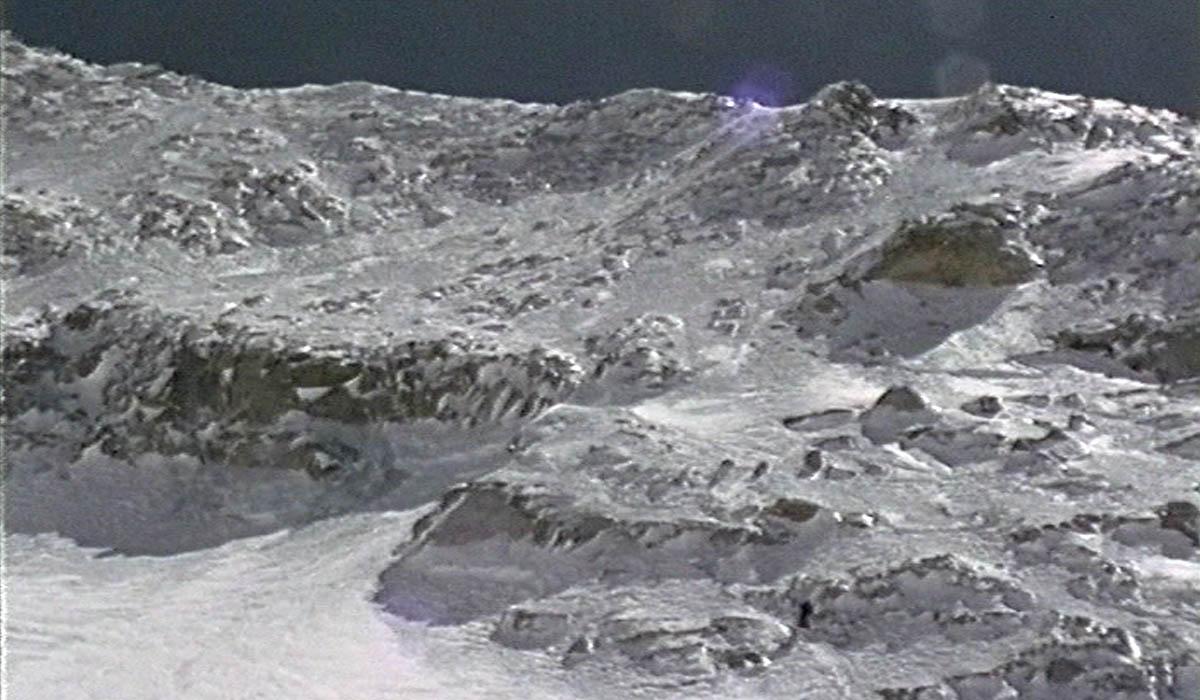 La pente pour atteindre le col à 7400 m