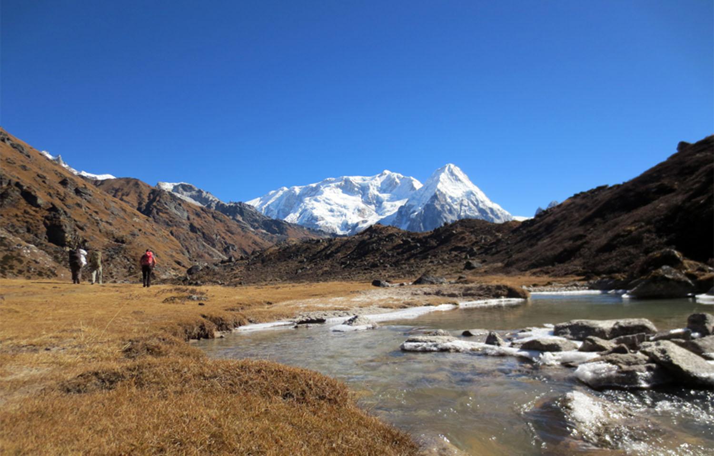 EN DIRECTION DE RAMCHE  trek Kangchenjunga Photo Jean-Luc Michod