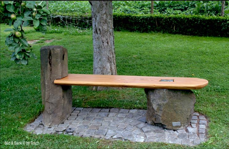 Bank aus Holz und Stein ohne Metall verbunden!