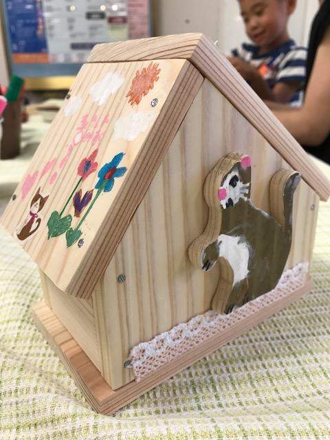 ハウス型ちょ金箱 猫の色が個性的で素敵!レース使いが女の子らしい作品