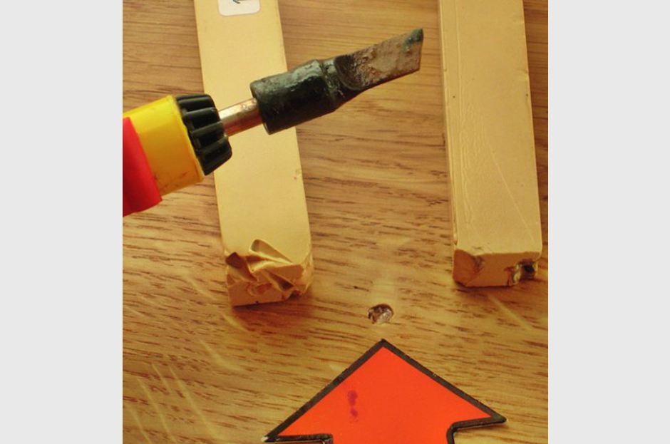 Hohlstellen Parkett - Minimale Bohrlochinjektion - Bohrloch mit König Wachs geschlossen