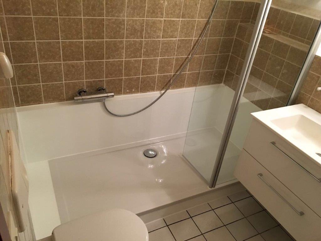 Aus Ihrer Alten Badewanne Wird Ein Geraumiges Duschvergnugen Wannenwechsel Rohe Des Webseite
