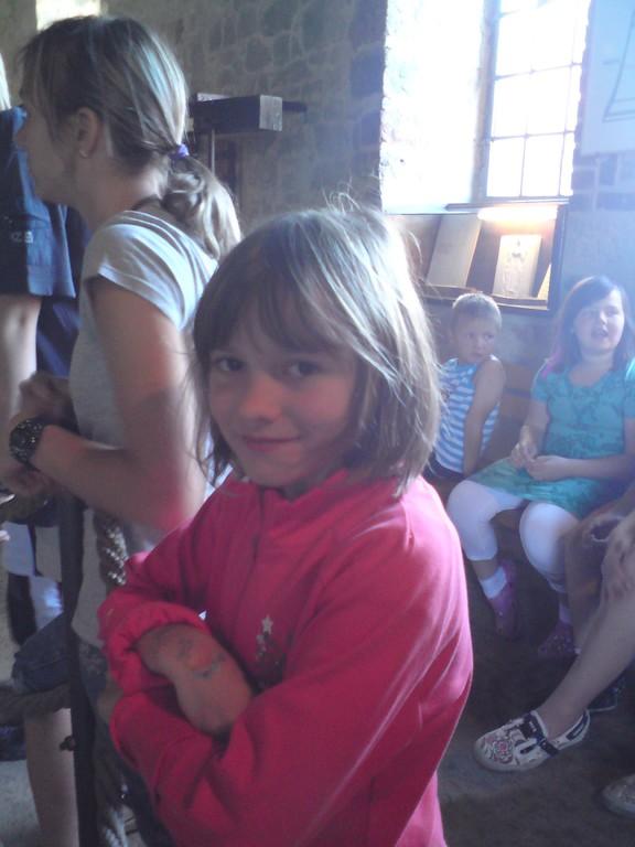 Antonia im Glockenmuseum