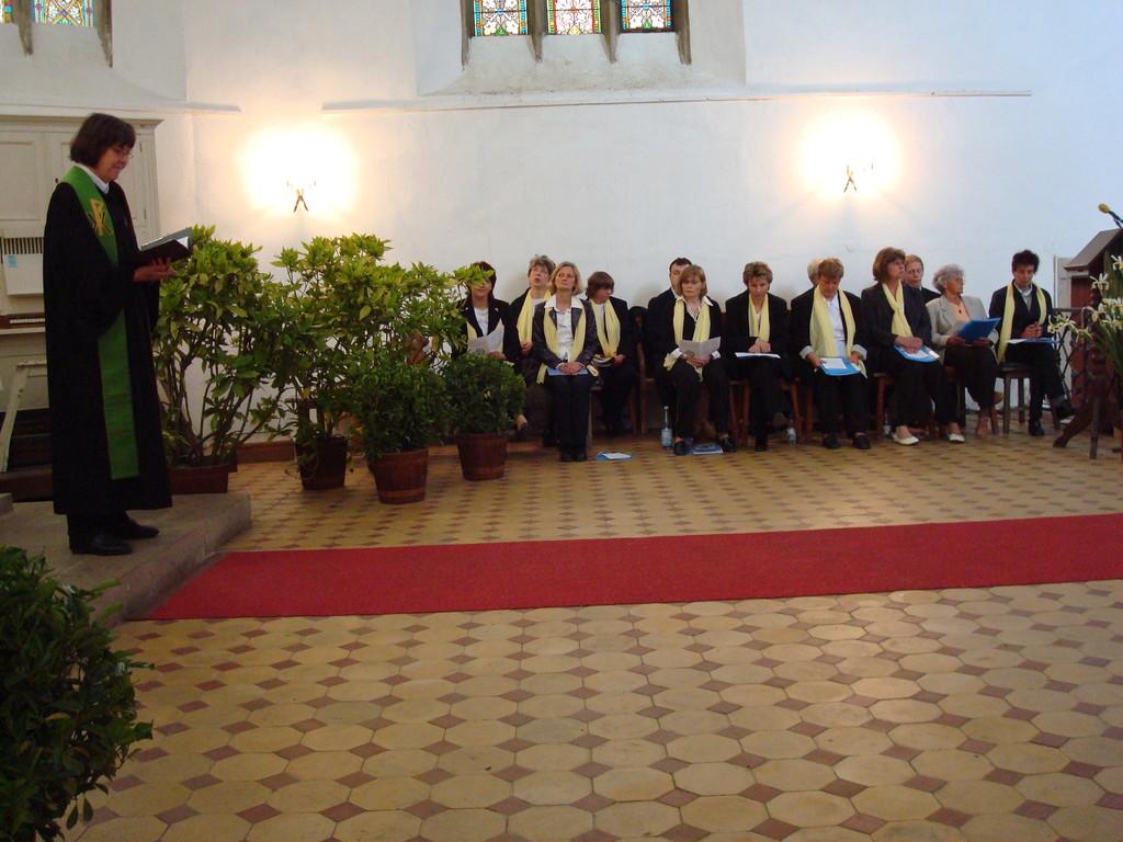 Gottesdienst mit Kirchenchor zur Jubelkonfirmation 09
