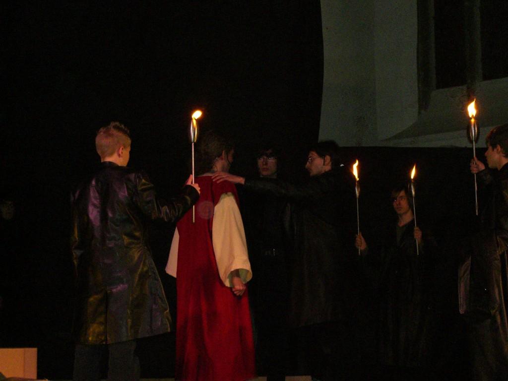 Judas wird von den Radikalenaufgenommen