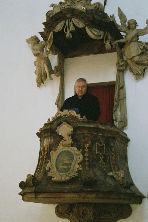 mdr - Hörfunkdirektor Möller bei der Predigt