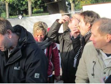 Nach dem gemeinsamen Besuch des Marktes in Andrésy mit obligatorischen Austernessen erkundeten wir in kleinen Gruppen Paris.