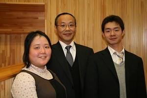 左から:宅原先生・山本先生・鈴木先生