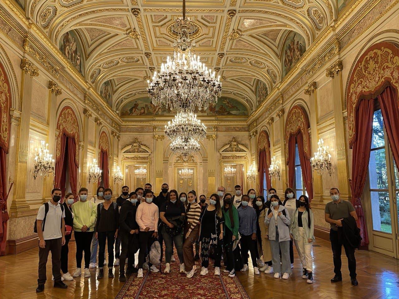 Visite de l'Assemblée nationale par une classe du Lycée professionnel Les Canuts