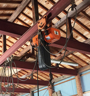 木童工房 資材倉庫 チェンブロック