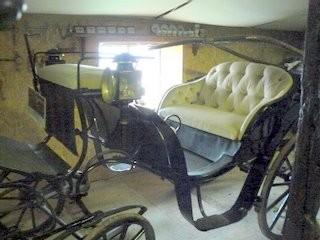 Victoria, voiture luxueuse, utilisée il y a peu pour des mariages