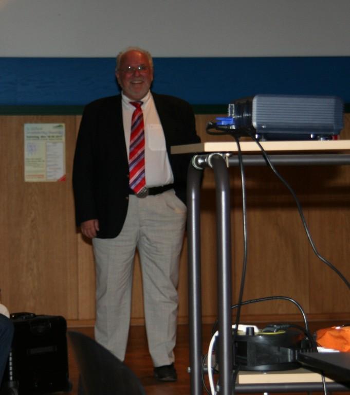 Dr.med. Friedrich R. Douwes, Direktor der Klinik St.-Georg Bad Aibling