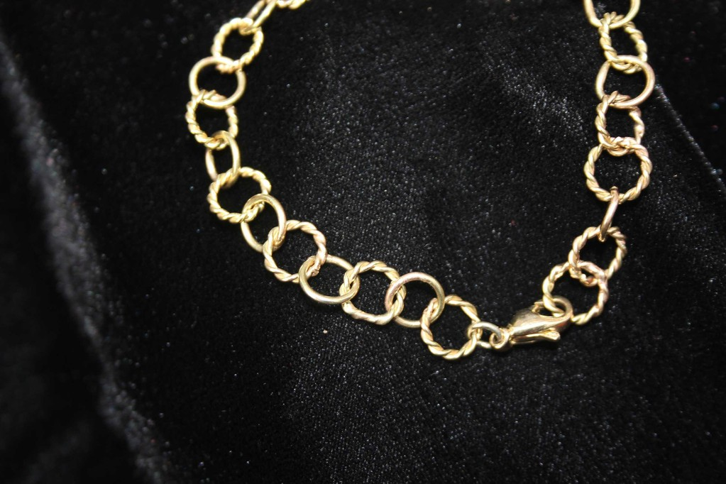 Armband aus Ringen