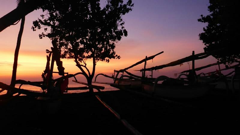 Unser erster Sonnenuntergang auf Lombok