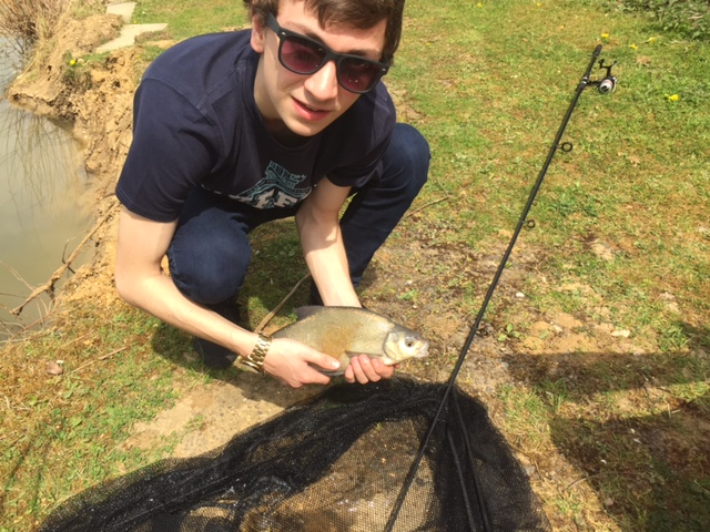 Lewis Worger and a classic Ashmoor bream (May 2016)