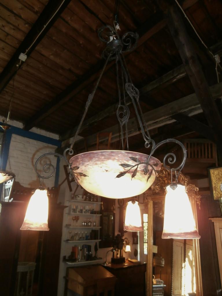 deckenlampe pate de verre signiert muller fres luneville um 1920 sch ne antike m bel und. Black Bedroom Furniture Sets. Home Design Ideas