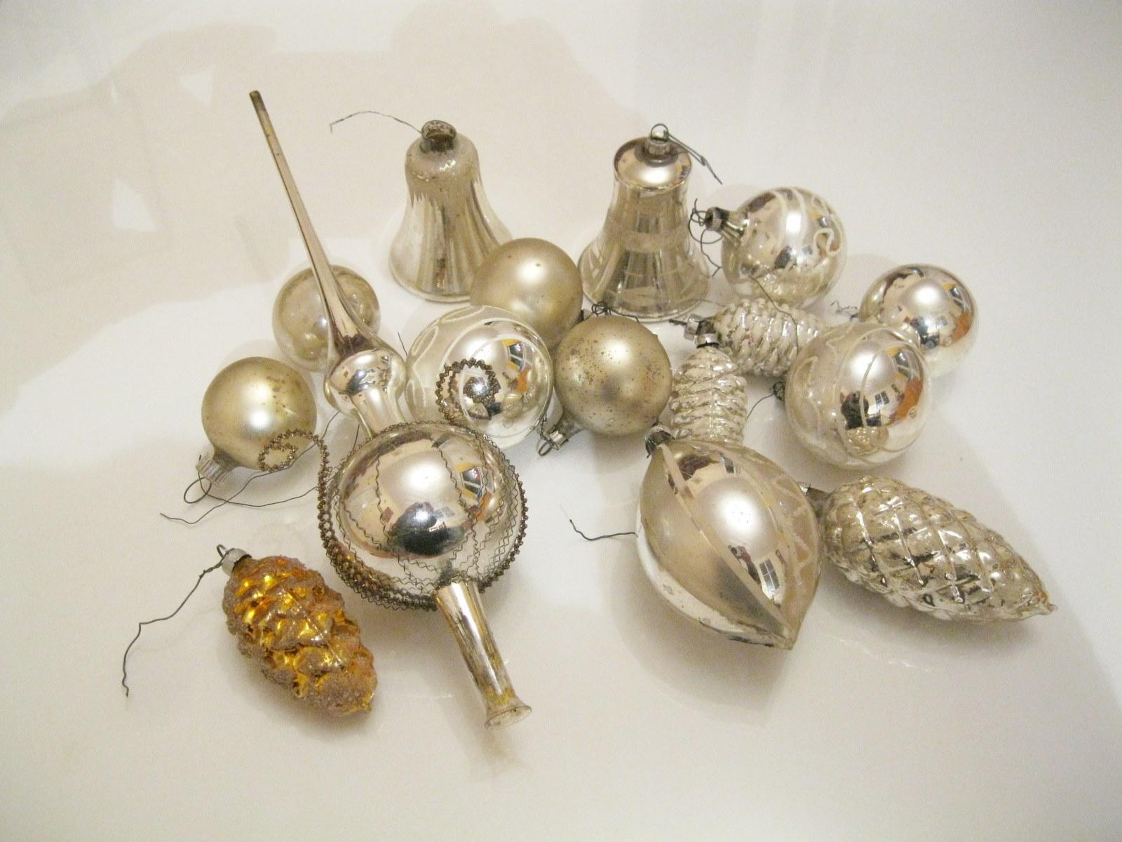 16 Teile Alter Christbaumschmuck Kugeln Glocken Zapfen