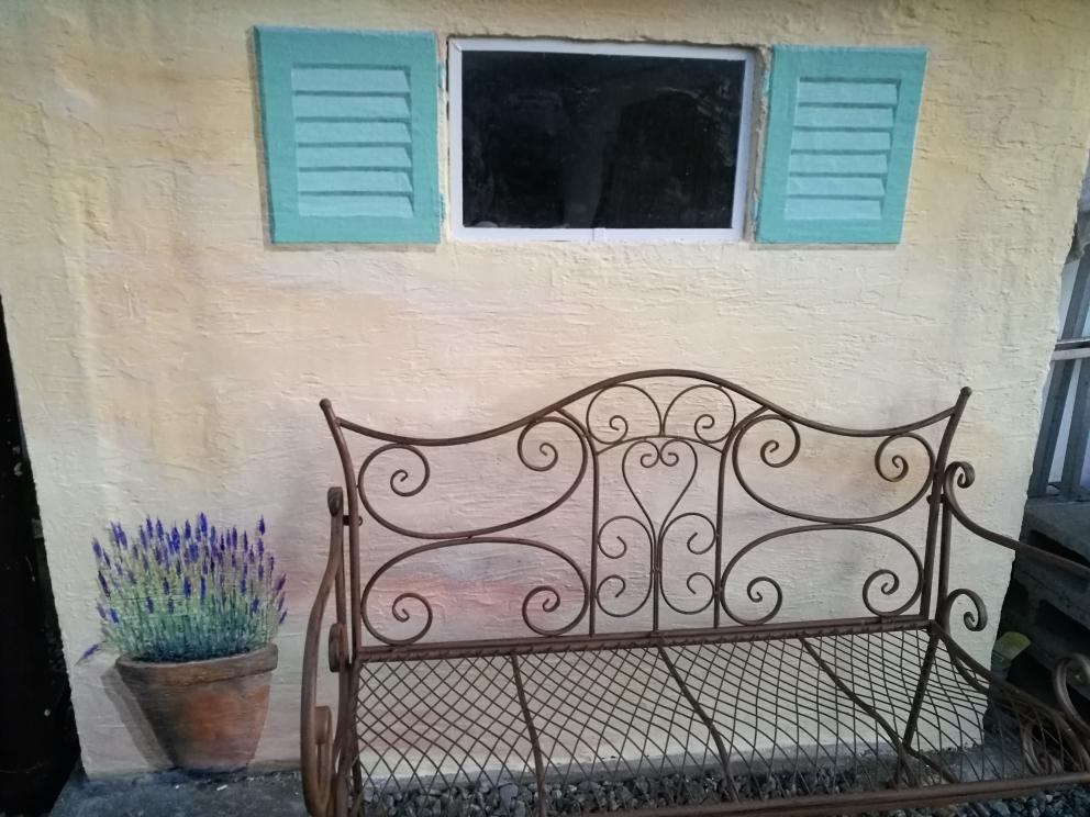 Fensterläden und Lavendel
