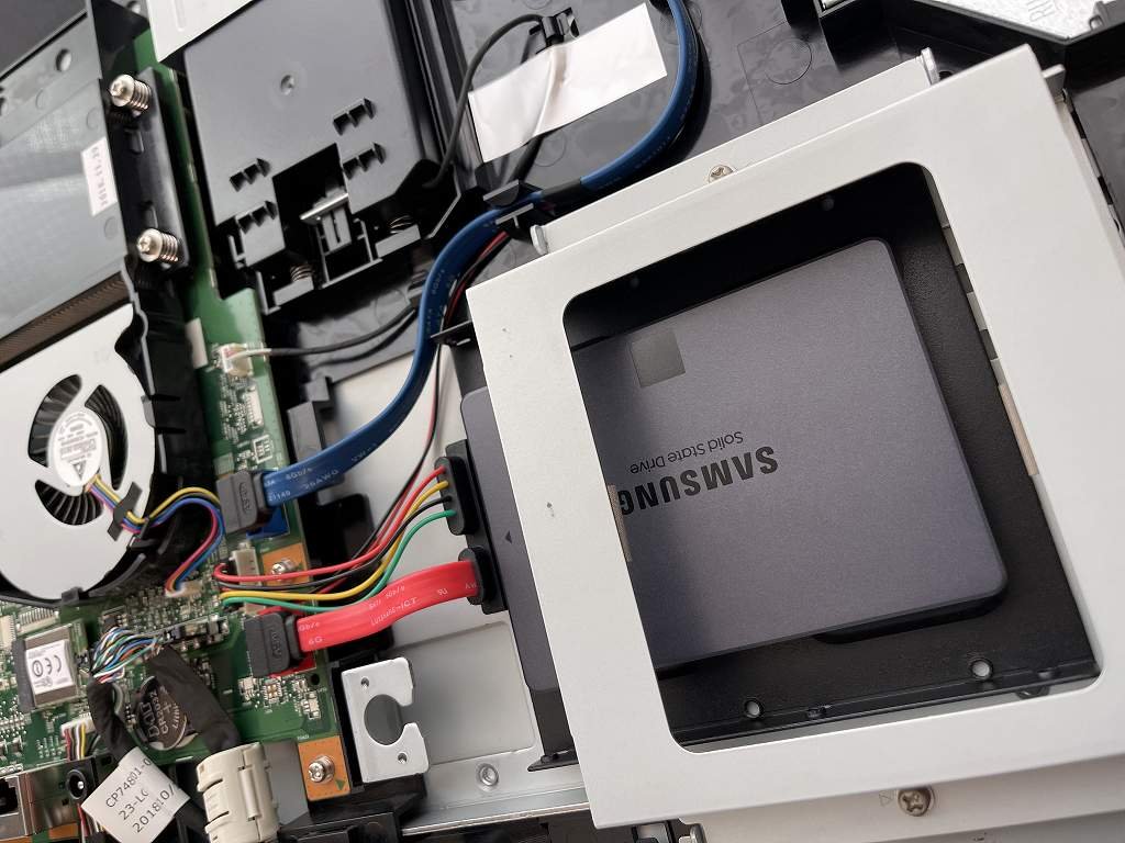 【持込修理】富士通 ESPRIMO FH70/C2 のSSD換装+メモリ増設を行わせて頂きました。
