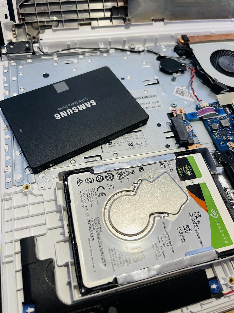 土岐市のお客様よりNEC NS700/Kの動作が遅いとのことSSD換装+メモリ増設を行わせて頂きました。