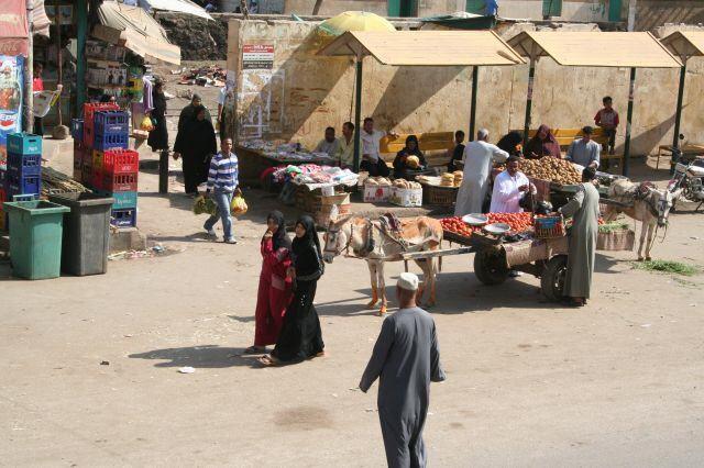 Straßenmarkt in Assuan
