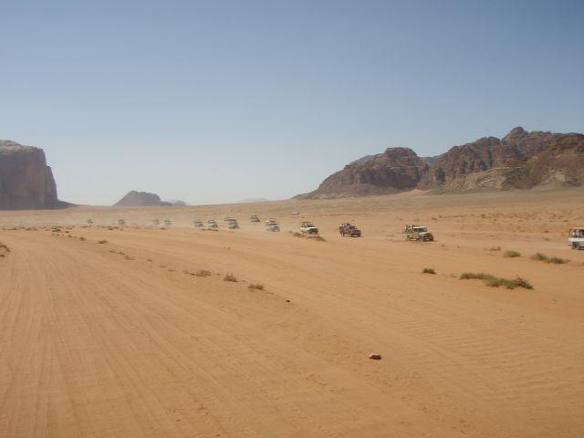 Touristenströme im Wadi Rum