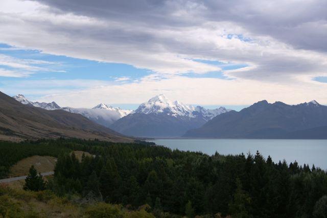 Mount Cook grüßt aus der Ferne