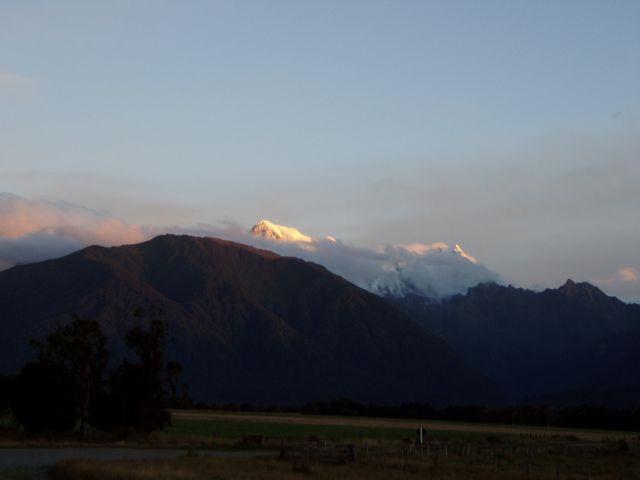 Mount Cook grüßt aus der Fern
