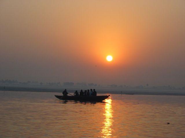 Sonnenuntergang über dem Ganges
