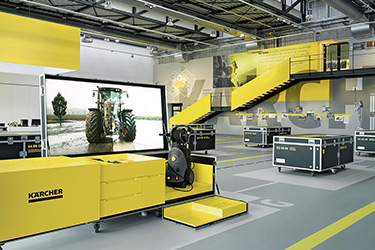 Kärcher-Experience-Center-Flightcases-Showroom-Unternehmensausstellung-Alfred-Kiess-Innenausbau-Stuttgart