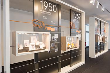 Lapp-Kabel-Unternehmensausstellung-Alfred-Kiess-Innenausbau-Medienwand-Medienwände-Shopfloorwand-Shopfloorwände-Shopfloorboard-Shopfloorboards-Showroom-Stuttgart