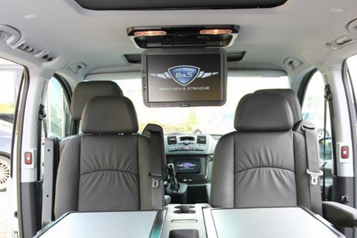 Dieser Bildschirm wurde in einem Mercedes Viano installiert, einem Fahrzeug-Typ, mit dem wir bei B&S Car Audio inzwischen einen sehr großen Erfahrungsschatz gesammelt haben.