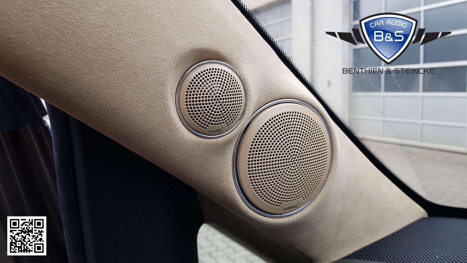 Die A-Säulen haben das Audiofrog Inc. GB10 und GB25 System in einer speziell für den Wagen gefertigten Aufnahme bekommen.