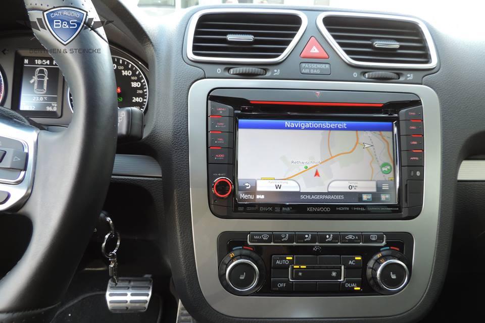 VW Scirocco DNX-525DAB und Soundsystem Kofferraumausbau