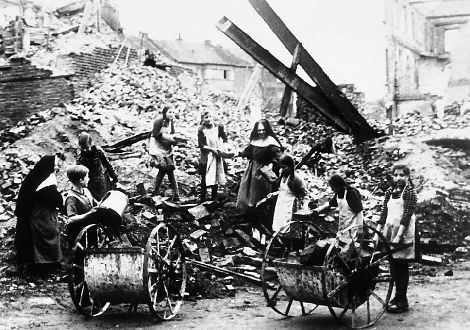 Wiederaufbau nach dem Krieg
