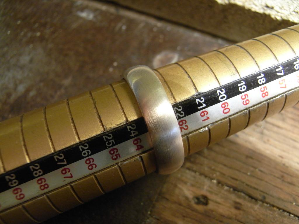 Silberring verkleinern auf Größe 58, aktuelle Größe 63