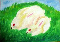 「うさぎ」4年 真っ白なウサギと緑の草を描くのに、恐る恐るでしたが、違った色を混ぜたり、タッチを変えたりしてみる経験ができました。