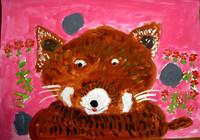 「レッサーパンダ」2年 思いっきり大きく描けました。赤いお花にピンクの背景も個性的です。