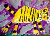 「アムールトラ」3年 黄色いトラに周囲に配した紫、グレー、緑の彩りがきれいですね。